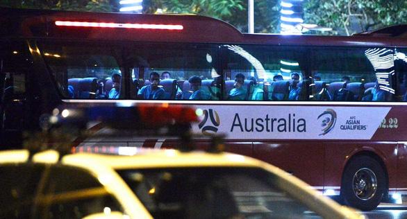 Đội tuyển Úc đã đến Hà Nội, đóng cửa tập kín - Ảnh 2.