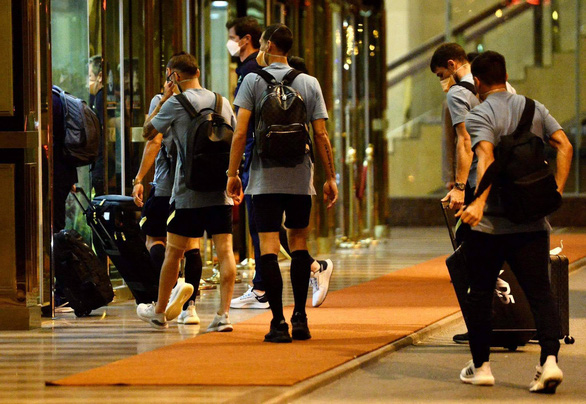 Đội tuyển Úc đã đến Hà Nội, đóng cửa tập kín - Ảnh 3.