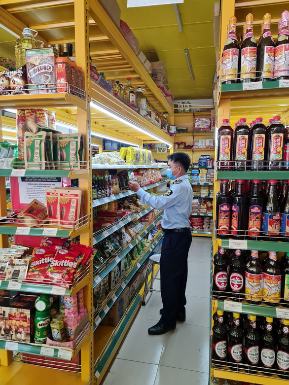 Thêm cửa hàng Bách Hóa Xanh bị phạt vì bán hàng không niêm yết giá - Ảnh 1.
