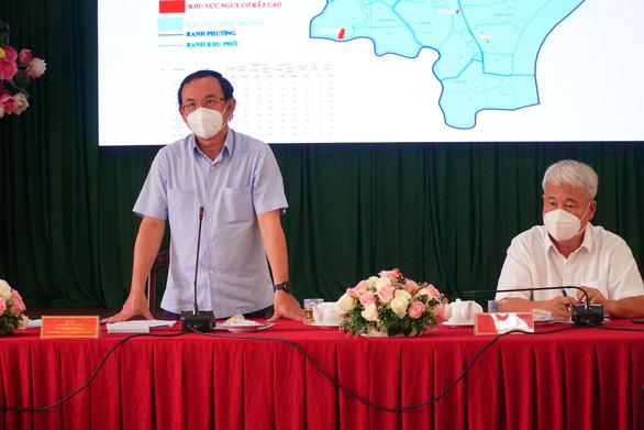Bí thư Nguyễn Văn Nên: TP.HCM sẽ mở cửa dần, không thể mãi giãn cách nghiêm ngặt - Ảnh 1.
