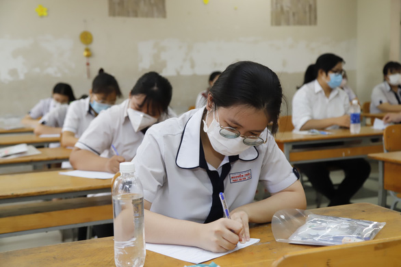 Hơn 45% thí sinh điều chỉnh nguyện vọng xét tuyển đại học - Ảnh 1.