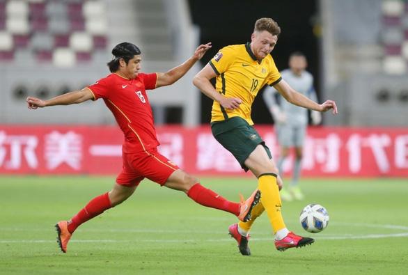 Hậu vệ cao 1,98m của tuyển Úc cảnh báo Việt Nam - Ảnh 1.