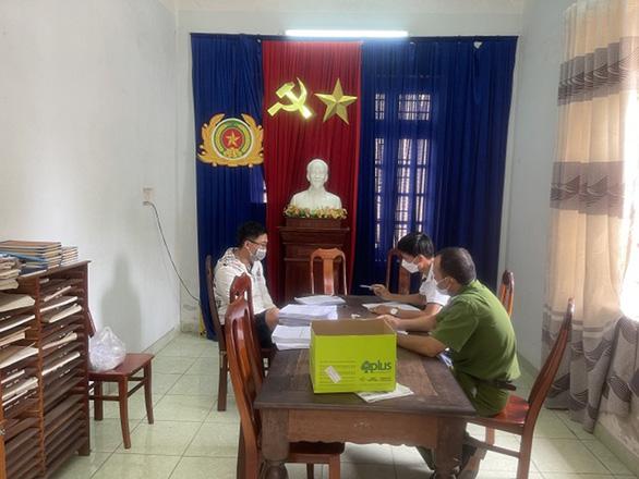Quảng Nam triệt phá đường dây mua bán, làm giả bằng cấp, giấy tờ - Ảnh 1.
