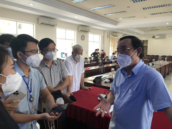 Bí thư Nguyễn Văn Nên: TP.HCM sẽ mở cửa dần, không thể mãi giãn cách nghiêm ngặt - Ảnh 3.