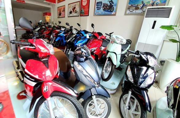 Thị trường ảm đạm, Yamaha và Honda làm mới sản phẩm xe máy tại Việt Nam - Ảnh 1.