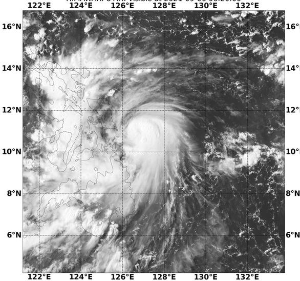 Áp thấp nhiệt đới ở vùng biển Philippines mạnh lên thành bão, hướng vào Biển Đông - Ảnh 1.
