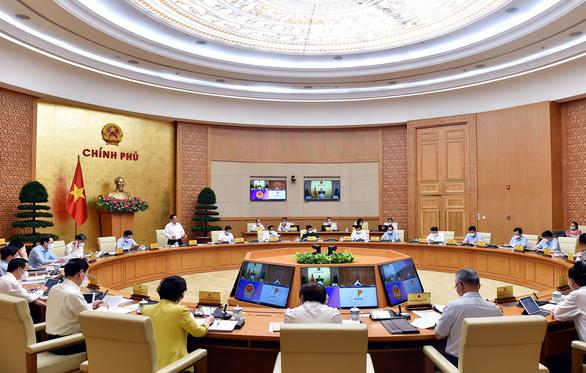 Thủ tướng Phạm Minh Chính: Phấn đấu kiểm soát dịch bệnh trong tháng 9 - Ảnh 1.