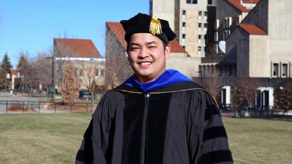 Phó giáo sư 8X để dành học bổng tiến sĩ toàn phần cho sinh viên Việt Nam - Ảnh 1.