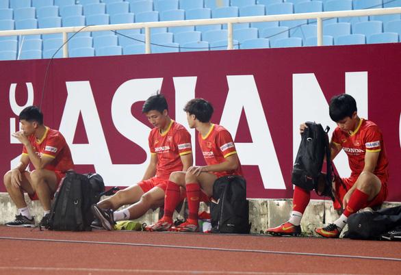 Bùi Tiến Dũng trở lại trong trận đấu giữa Việt Nam với Úc - Ảnh 1.
