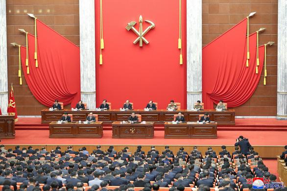 Triều Tiên đưa tổng tham mưu trưởng vào ban thường vụ Bộ Chính trị - Ảnh 1.