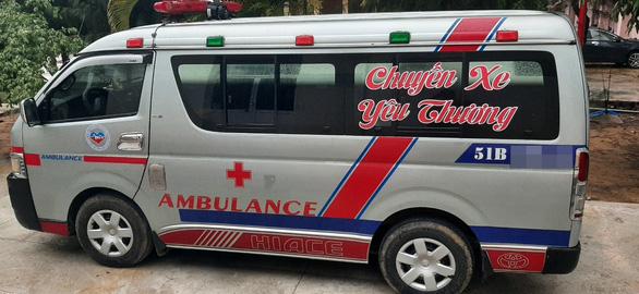 Khởi tố vụ án tài xế xe cứu thương không phép làm lây lan dịch COVID-19 - Ảnh 1.