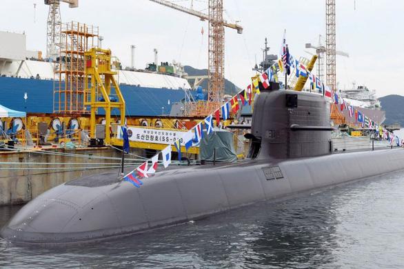 Hàn Quốc bắt kịp Triều Tiên về việc sở hữu tên lửa đạn đạo phóng từ tàu ngầm - Ảnh 1.