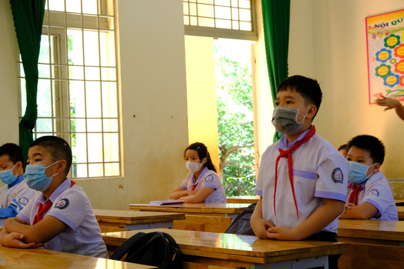 Cả tỉnh nghỉ học sau lễ khai giảng vì một học sinh nhiễm COVID-19 - Ảnh 1.