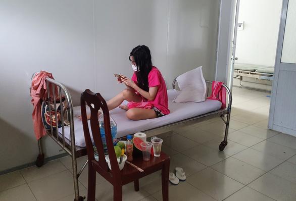 Thứ trưởng Bộ Y tế yêu cầu Kiên Giang sớm triển khai cách ly F1 tại nhà - Ảnh 1.