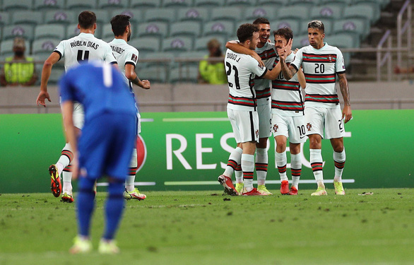 Không Ronaldo, Bồ Đào Nha vẫn đại thắng Azerbaijan - Ảnh 1.