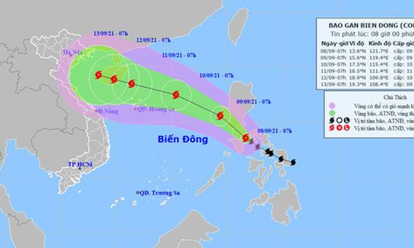Bão Conson vào Biển Đông đêm nay, bão Chanthu mạnh hơn đe dọa tiếp - Ảnh 1.