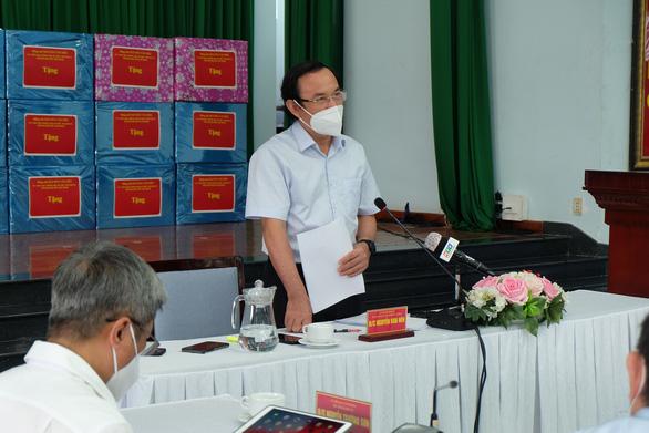 Bí thư Nguyễn Văn Nên: Thủ Đức tuyên truyền để dân chuẩn bị tâm thế, thói quen khi nới giãn cách - Ảnh 1.