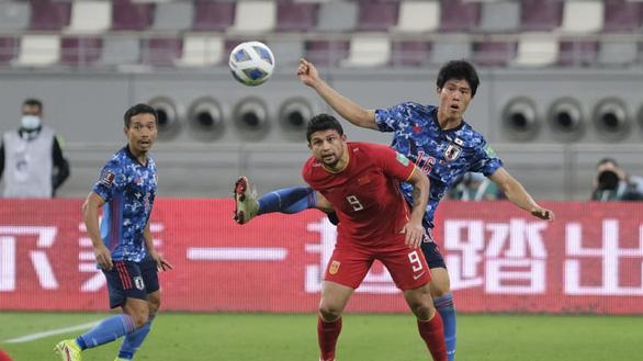 Dùng 4 cầu thủ nhập tịch, Trung Quốc vẫn thua Nhật Bản và tiếp tục đứng chót bảng - Ảnh 2.