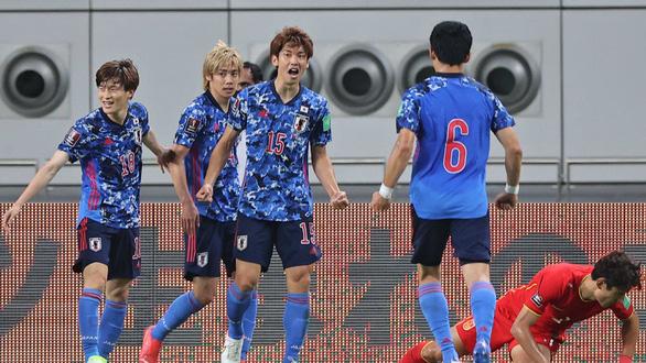 Dùng 4 cầu thủ nhập tịch, Trung Quốc vẫn thua Nhật Bản và tiếp tục đứng chót bảng - Ảnh 1.