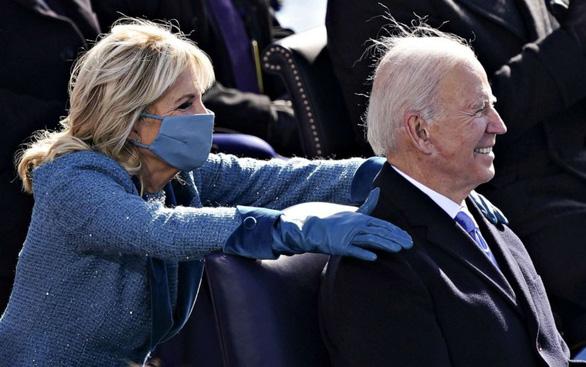 Vợ tổng thống Mỹ trở lại trường đi dạy học - Ảnh 1.