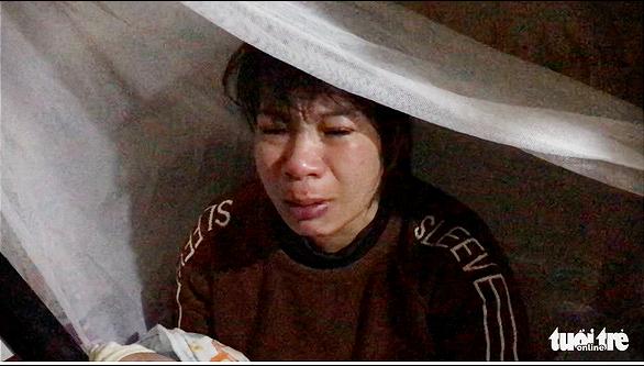 Truy tố người mẹ cùng nhân tình nhiều lần bạo hành, xâm hại bé gái 12 tuổi - Ảnh 2.