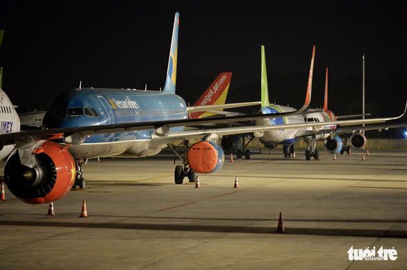 Kế hoạch mở lại đường bay nội địa, khách phải có xét nghiệm âm tính - Ảnh 1.