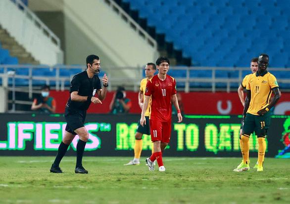 VFF gửi thư lên FIFA, AFC tố trọng tài làm ảnh hưởng kết quả trận Việt Nam với Úc - Ảnh 1.