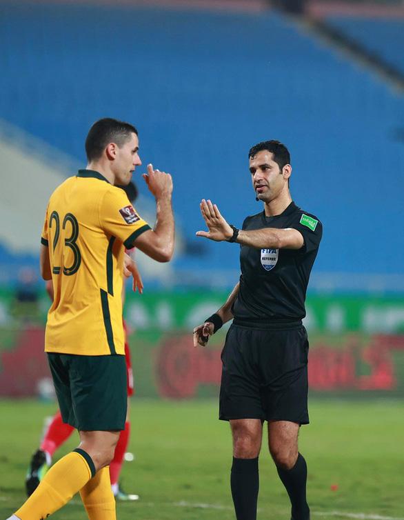 VFF gửi thư lên FIFA, AFC tố trọng tài làm ảnh hưởng kết quả trận Việt Nam với Úc - Ảnh 2.