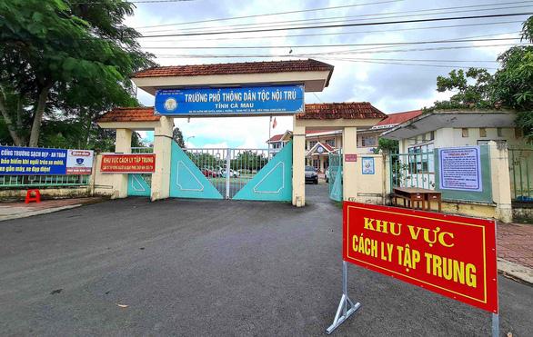 Kiên Giang, Cà Mau đồng loạt trả lại cả cơ sở cách ly phục vụ năm học mới - Ảnh 1.