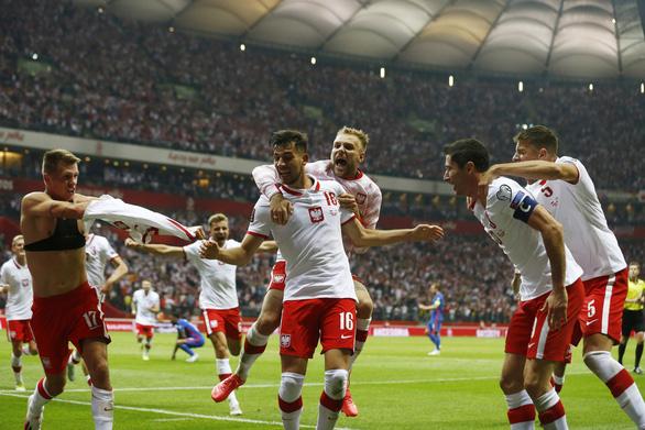 Ba Lan chấm dứt chuỗi trận toàn thắng của tuyển Anh - Ảnh 2.