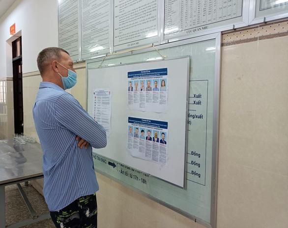 Công dân Nga ở Khánh Hòa bỏ phiếu bầu đại biểu Duma quốc gia - Ảnh 4.