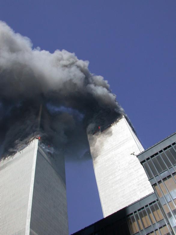Những bức ảnh chưa từng công bố về vụ 11-9 - Ảnh 2.