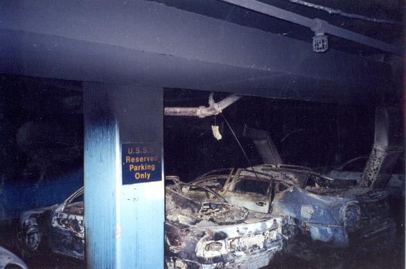 Những bức ảnh chưa từng công bố về vụ 11-9 - Ảnh 4.