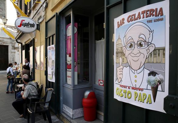 Giáo hoàng Francis mua 15.000 que kem giúp tù nhân Ý vượt qua mùa hè đổ lửa - Ảnh 1.