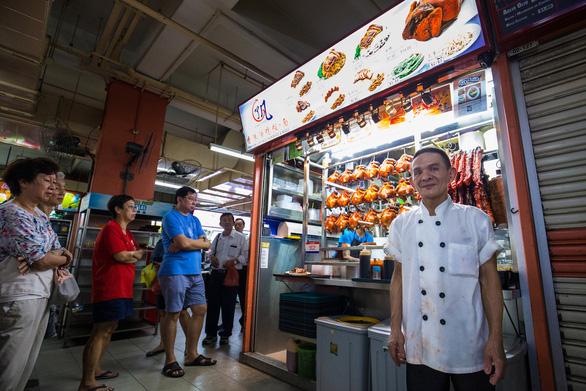 Quán cơm gà ông Chan nổi tiếng ở Singapore mất sao Michelin Guide - Ảnh 4.