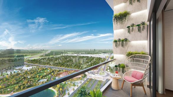 Thưởng ngoạn tại balcony chuẩn 'triệu đô' giữa tầng không - Ảnh 2.