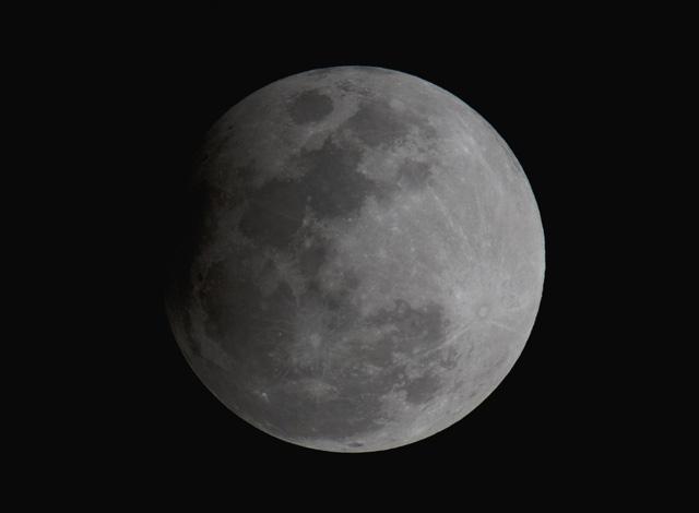 Năm 2030, con người sẽ sống trên Mặt trăng - Ảnh 1.