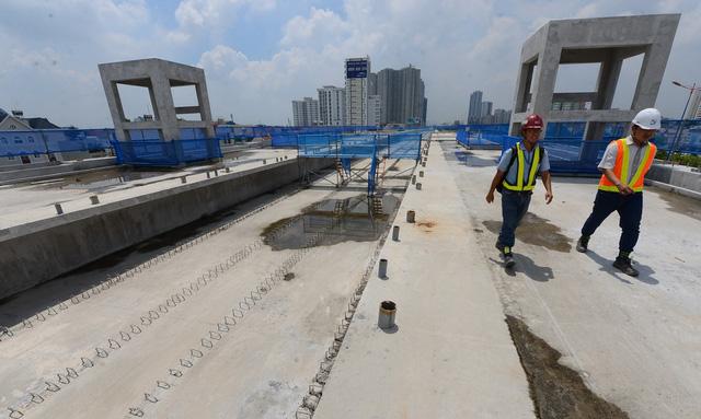 Ngày 23-10 lắp đường ray tuyến metro số 1 Bến Thành - Suối Tiên - Ảnh 1.