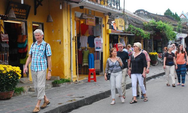 Phong phú tour cho du khách APEC - Ảnh 1.