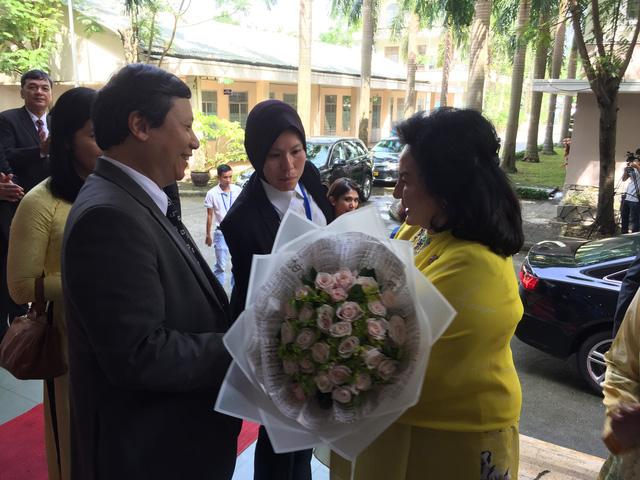 Phu nhân Thủ tướng Malaysia thăm Đại học Sư phạm Đà Nẵng - Ảnh 1.