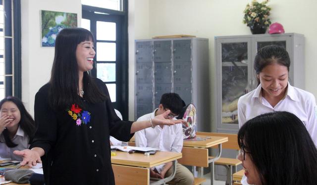 Kết quả hình ảnh cho ảnh giáo viên học sinh