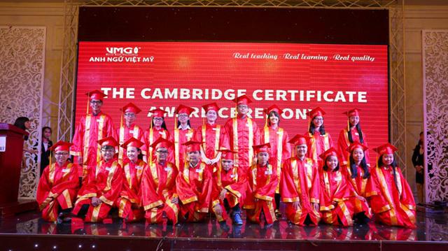 Gần 800 học viên của VMG nhận chứng chỉ Anh văn quốc tế - Ảnh 1.