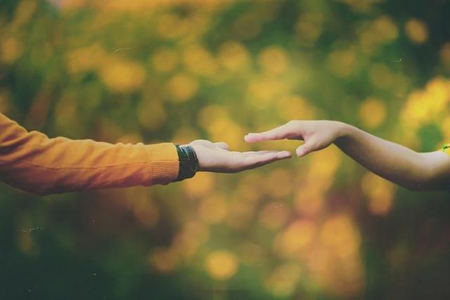 Hôn nhân hạnh phúc- bí quyết để có trái tim khỏe mạnh - Ảnh 1.