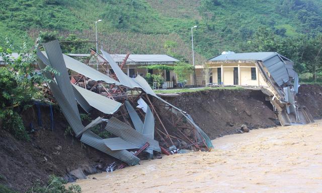 Lũ phá hủy nhà máy thủy điện Suối Sập 2, Sơn La - Ảnh 1.