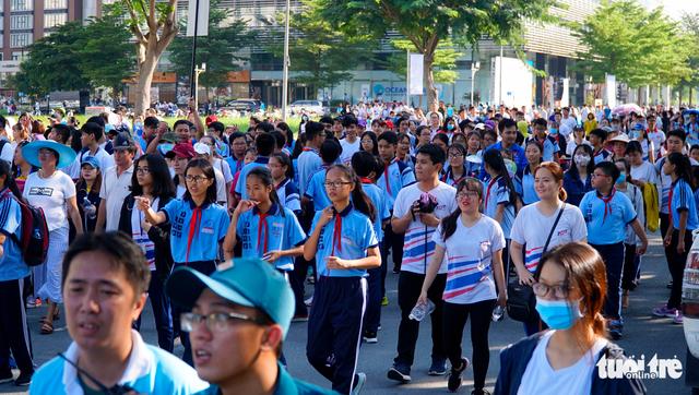 76 người đẹp Hoa hậu hòa bình tham gia đi bộ 10.000 bước chân - Ảnh 7.