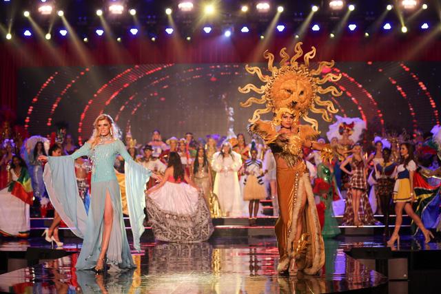 Huyền My vào top 5 được yêu thích ở  Hoa hậu hòa bình thế giới - Ảnh 1.