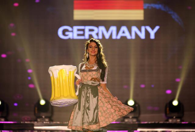 Huyền My vào top 5 được yêu thích ở  Hoa hậu hòa bình thế giới - Ảnh 7.