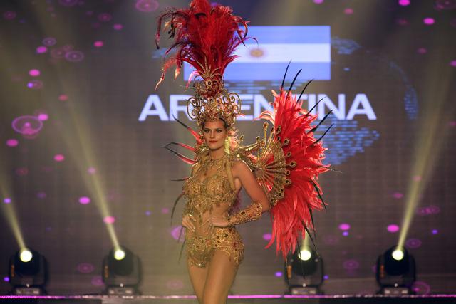 Huyền My vào top 5 được yêu thích ở  Hoa hậu hòa bình thế giới - Ảnh 5.