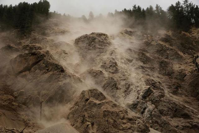 Sốc với ảnh thảm họa thiên nhiên dữ dội năm 2017 - Ảnh 4.