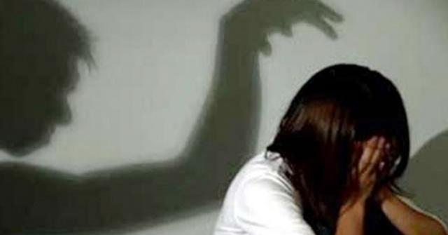 Cô gái 21 tuổi bị 5 thanh niên cưỡng hiếp tập thể - Ảnh 1.